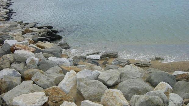 Καβάλα βράχια