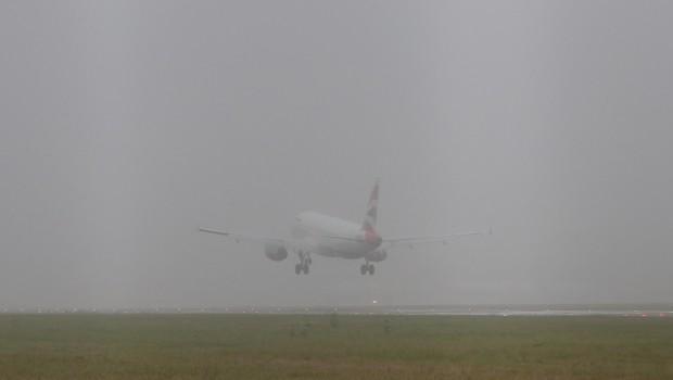 ομίχλη αεροπλάνα