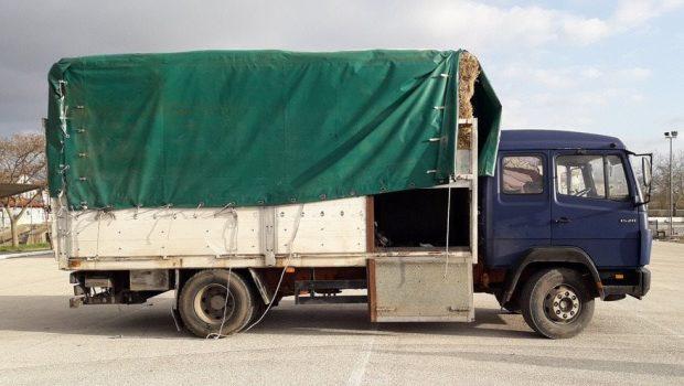 φορτηγο χορτο λαθρομεταναστες