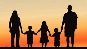 τρίτεκνη-οικογένεια